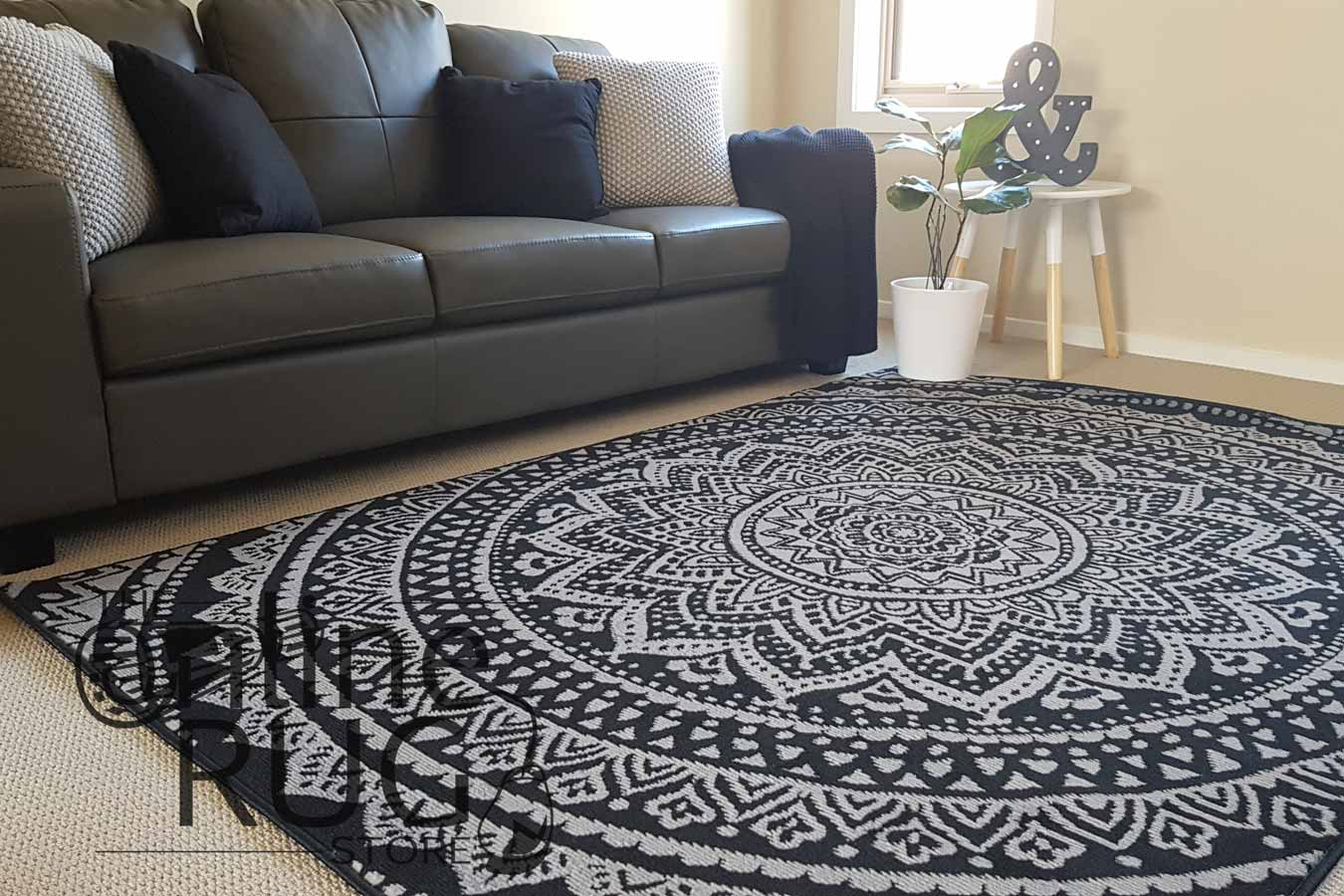 mandala-black-grey-2