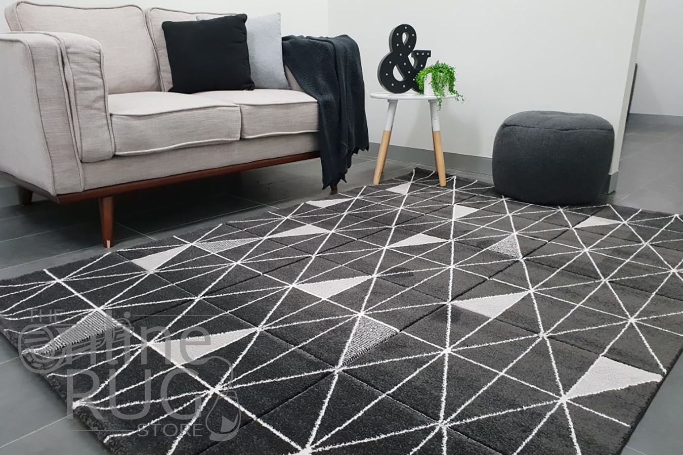 Aiden Charcoal Grey Geometric Diamond Pattern Rug (10)