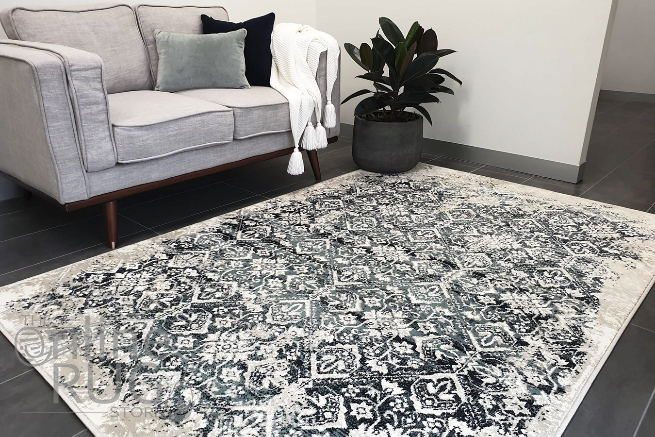 Raffy Blue Geometric Abrash Transitional Rug
